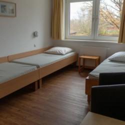 Schlafraum im Gruppenhaus Ferienhof Kieler Bucht für Menschen mit Behinderung