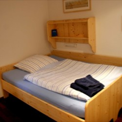 Ein Zimmer im deutschen Gruppenhaus Ahlhorn.