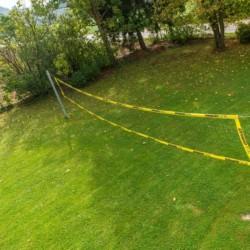 Volleyballfeld am Gruppenhaus Dornach in Bayern für Kinderfreizeiten