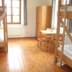 4-Bett-Zimmer im Gruppenhaus Dornach in Bayern für Jugendfreizeiten