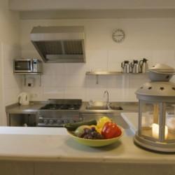 Küche im Gruppenhaus Bakhuis für behinderte Menschen in den Niederlanden