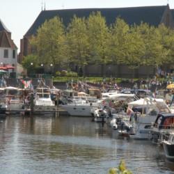 Bootfahren in der Nähe von dem handicapgerechten niederländischen Gruppenhaus Follenhoegh.