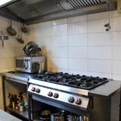 Küche im niederländischen Freizeithotel für Gruppen KOM!