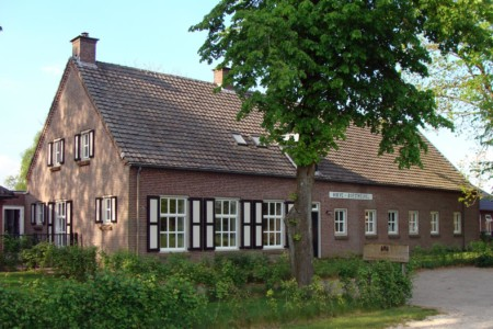 Das handicapgerechte niederländische Gruppenhaus Hoeve/Schuurherd für Menschen mit Behinderung.
