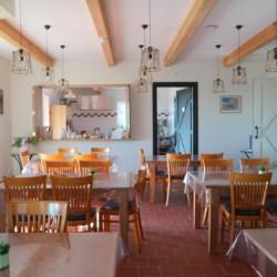 Speisesaal im barrierefreien niederländisches Gruppenhaus Het Hooge Huis in Nordseenähe für Menschen mit Handicap
