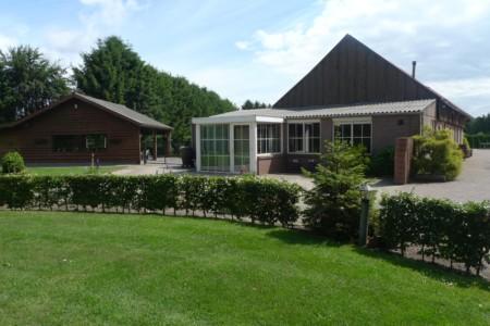 Das Gruppenhaus Kievitsnest in den Niederlanden von außen.