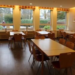Der Speisesaal im Gruppenhaus Gästehaus Horn-Bad Meinberg für barrierefreie Gruppenreisen in Deutschland.