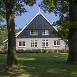 Das niederländische barrierefreie Freizeithaus De Sterre für integrative Gruppenreisen.